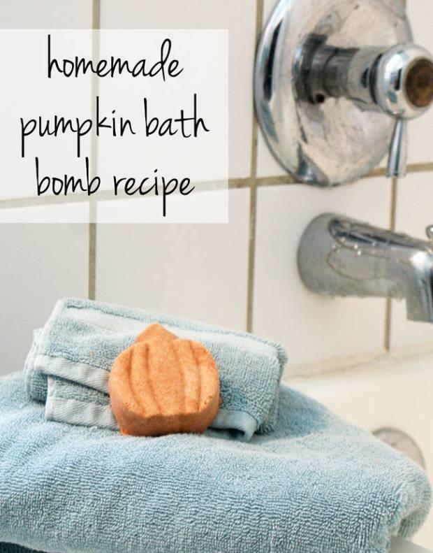 DIY HALLOWEEN PUMPKIN BATH BOMB RECIPE